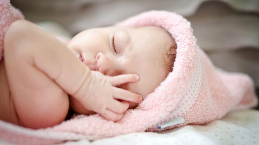 Шлемы не помогают от сплющивания черепа у младенцев