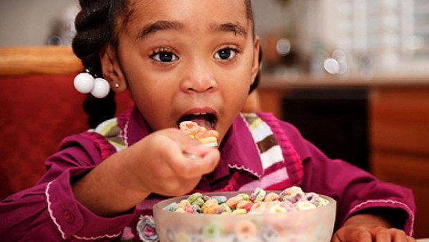 В некоторых детских завтраках слишком много сахара