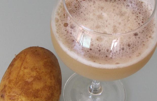 Картофельный сок помогает при гастрите и головной боли