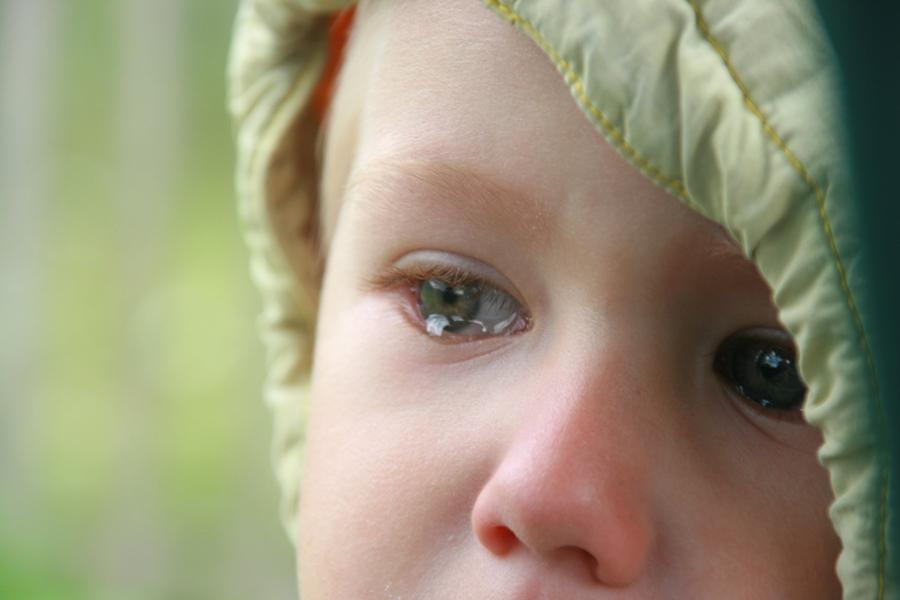 Вирусная инфекция в носу может вызвать инфекцию среднего уха