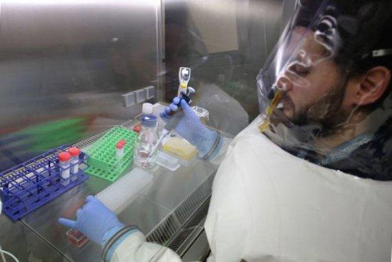 Вакцину против Эбола начнут тестировать на людях